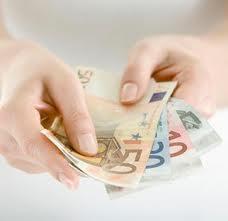 Istat: aumentano le retribuzioni, balzo dei salari dell'agricoltura