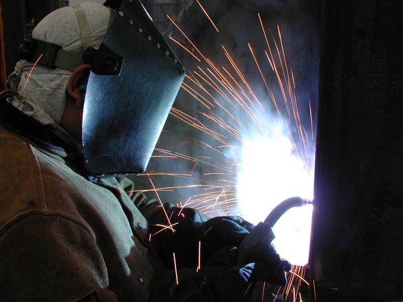 Istat: cresce la produzione industriale nel mese di Luglio, boom dei beni energetici