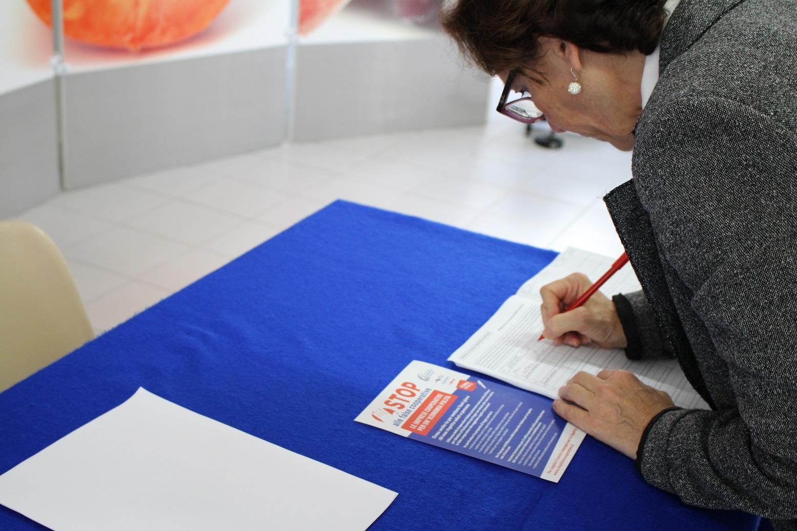 Stop false cooperative: il 29 ottobre la consegna delle firme