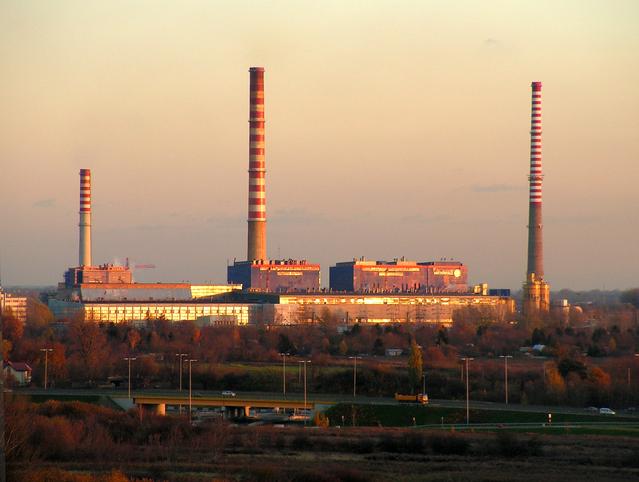 Istat: produzione industriale in forte crescita